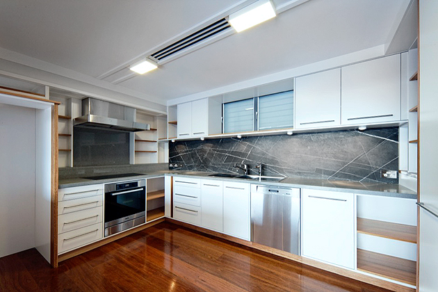 40mm Oyster Caesarstone benchtops and Honed Pietra Grey Marble Splashbacks